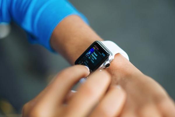 Smart watch 821565 480